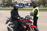 С наступлением весны и теплой погоды на дорогах растет количество водителей мотоциклов, мопедов и скутеров.