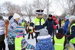 Несколько сотен каменцев стали гостями площадки «Безопасная зима» на Всемирном дне снега в Каменске-Уральском