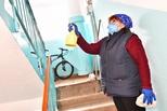 Клининговые компании продолжают обработку подъездов многоквартирных жилых домов в прежнем режиме