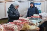 Торгуя свининой, имеют при себе ветеринарные свидетельства