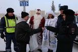 Морозным днем 26 декабря в центре Каменска-Уральского дежурил необычный экипаж ДПС