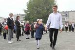 Классный праздник сентября: торжественные линейки в школах Каменска-Уральского