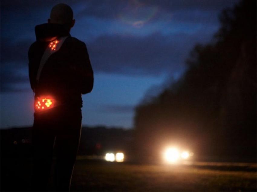 Два пешехода погибли натрассах Свердловской области вечером всреду