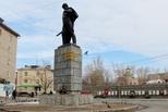 Каменские общественники начали дежурить у мемориалов и памятников