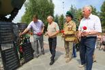 Ветераны боевых действий возложили цветы к БМП