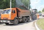 Спуск к Байновскому мосту ремонтируют. Укладка асфальта запланирована на четверг.
