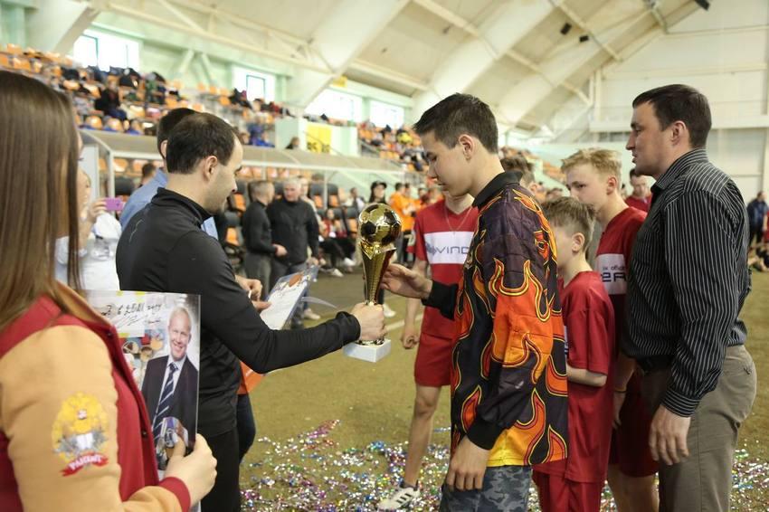 Команды детей-сирот из Камышлова и Екатеринбурга стали победителями турнира по футболу среди детских домов