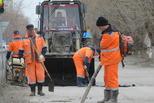 Аварийный ремонт дорог продолжается